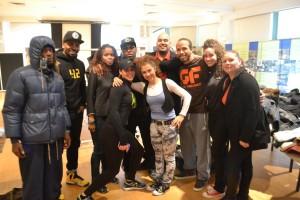 Los miembros del equipo de Get Focused con jóvenes de entrenamiento físico y salud, llevarán a cabo otras colectas para beneficiar a los que tengan necesidades.