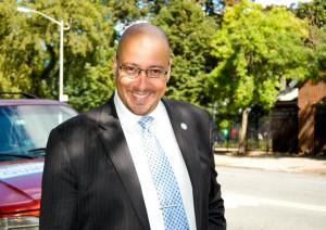 """""""Necesito un alcalde que pueda dirigir"""", dijo el senador Gustavo Rivera. Foto: QPHOTONYC"""