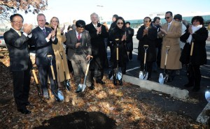 Wayne Park, President and CEO of LG Electronics USA (left) celebrated the ceremonial planting of the first of 700 new trees that will grow at the future headquarters site.</br> <i>Photo: LG Electronics USA</i>