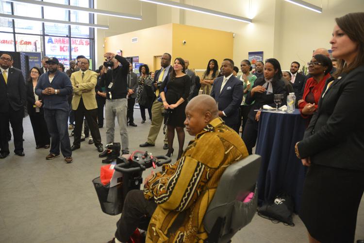 HOPE comes to Harlem \'HOPE\' llega a Harlem – Manhattan Times News