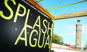 Splash House es un nuevo pabellón al aire libre que cuenta con áreas de casilleros y vestuarios.