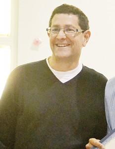Andrew Rubinson, Director Ejecutivo de la Gracia Outreach, sirvió en el comité de selección.